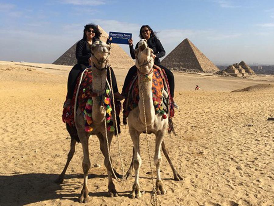 awesome moment at Giza Pyramids